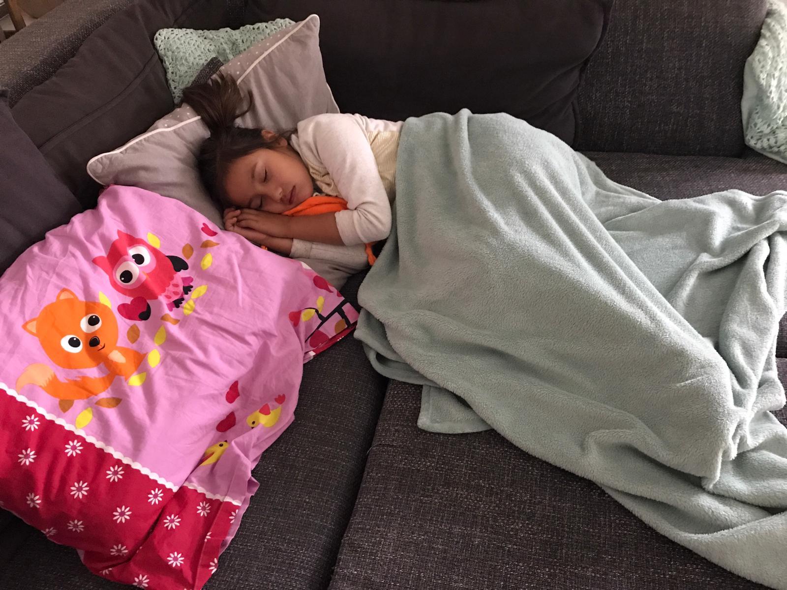 590245e11df Sinds de zware aanvallen hebben mijn vrouw en ik besloten om gelijk bij  haar te gaan liggen, op het moment dat we naar bed gingen. Natuurlijk met  als reden ...